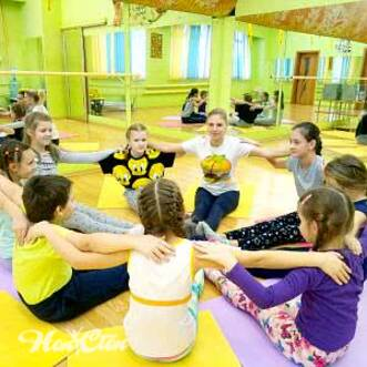 Фото группы детей которые занимаются детским фитнесом