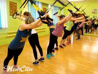 """Тренировка рук и спины на петлях TRX в фитнес программе """"Супер 8"""" в фитнес клубе Нон-стоп в Витебске"""