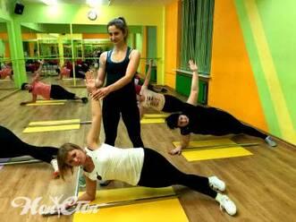 Аэробика для начинающих в витебском фитнес клубе Нон-стоп: тренировка пресса