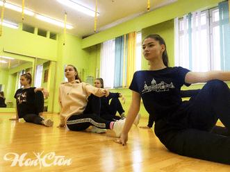 Подростковая группа по танцам в витебском фитнес клубе Нон-стоп