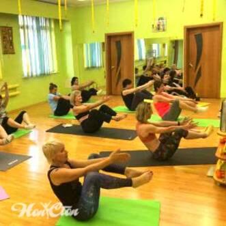 Фото группового занятия по пилатесу