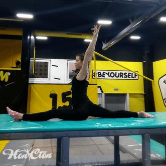 Анастасия Курякова - тренер по стретчингу витебского фитнес клуба Нон-стоп
