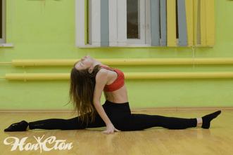 Шпагат от инструктора витебского фитнес клуба Нон-стоп Насти Куряковой