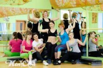 Групповые тренировки для женщин в зале в Витебске в клубе Нон стоп