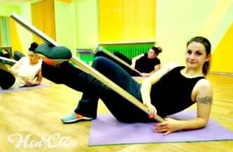 Силовая круговая тренировка  с бодибаром в витебском фитнес клубе Нон-стоп