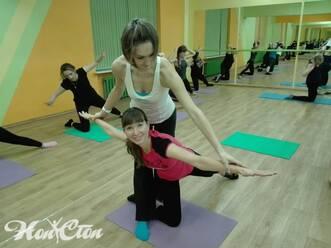 Посетительница фитнес клуба оставила фото отзыв о занятиях пилатесом с Марковой Анастасией