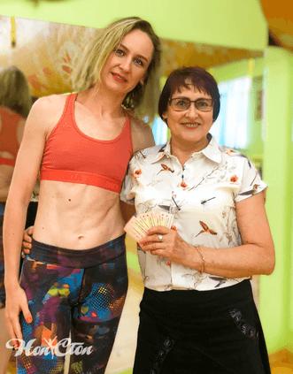Женщина выгодно купила абонемент в витебский фитнес клуб Нон-стоп со скидкой для пенсионеров