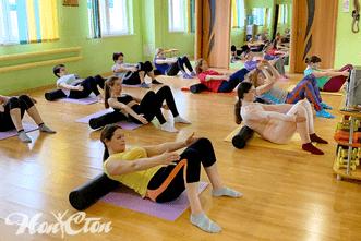 Упражнения для спины с использованием оборудования для МФР в витебском фитнес клубе Нон-стоп