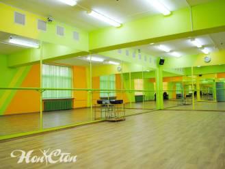 Просторный спортзал для тренировок Нон-стоп на улице Кирова в Витебске