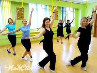 Группа по бальным танцам тренера фитнес клуба Нон-стоп в Витебске Елены Степанюк