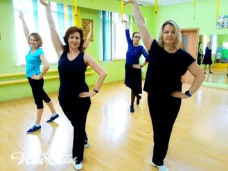 Группа по зумбе тренера фитнес клуба Нон-стоп в Витебске Елены Степанюк