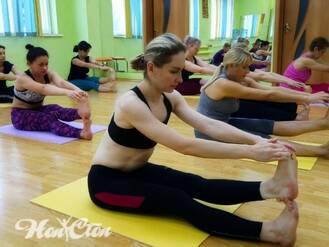 Группа по растяжке с Надеждой Бондаревой в фитнес клубе Нон-стоп в Витебске