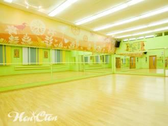 Уютный зал фитнес центра Нон-стоп на Московском проспекте в Витебске
