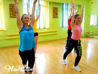 Фото девушек на zumba в витебском фитнес клубе Нон-стоп